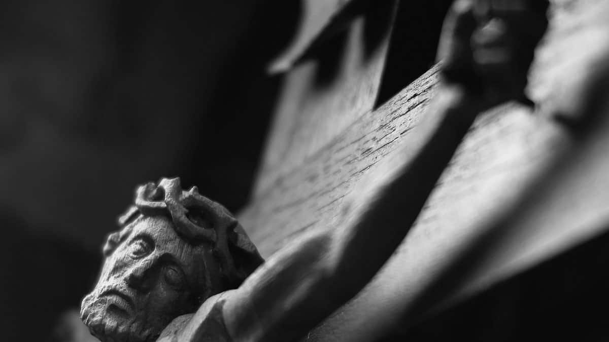 Crucifixion Image by Helmut H. Kroiss from Pixabay